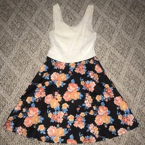 PAPAYA CLOTHING- Flowery dress